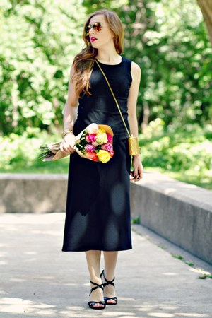 black midi skirt - black tank top