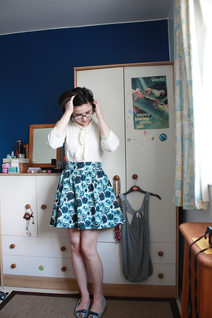 H&M blouse - H&M skirt - Chinese Laundry shoes