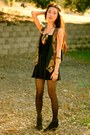 Black-lace-up-boots-boots-feather-necklace-vintage-vest