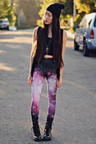 starry night romwe leggings - cross le wolf necklace