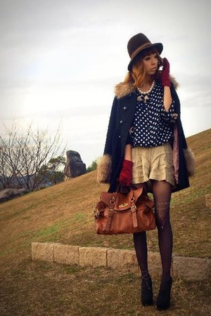 coat coat - shorts shorts - moms Polka dot blouse blouse - Globe gloves - pumps