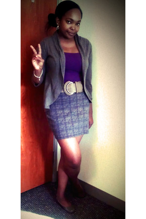 heather gray Urban Outfitters skirt - camel Akira belt - deep purple top