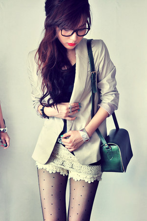 tan blazer - black shirt - dark green bag - red accessories - off white pants