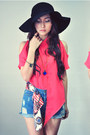 Salmon-shirt-sky-blue-jeans-navy-accessories