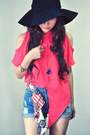 Sky-blue-jeans-salmon-shirt-navy-accessories