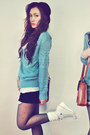 Ivory-shirt-burnt-orange-bag-black-shorts-off-white-sneakers-turquoise-b