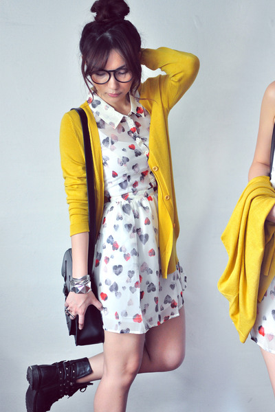 mustard cardigan - ivory dress - salmon dress