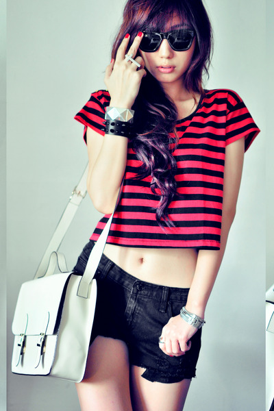 red t-shirt - off white bag - black shorts - silver ring