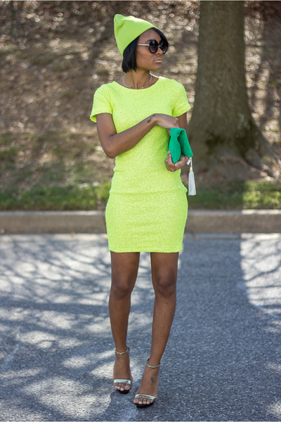 yellow Lulus dress