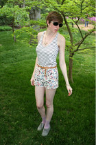 gray Forever 21 shoes - white floral Forever 21 shorts - light purple dotted Urb