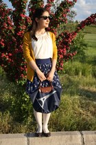 navy longchamp bag - cream vintage blouse - navy Atmosphere skirt