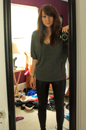 forever 21 shirt - Urban Outfitters leggings - Urban Outfitters bracelet - thrif