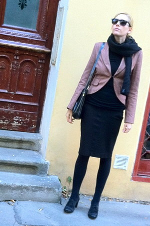 tweed H&M jacket - leather humanic shoes - woolen Design House Stockholm scarf