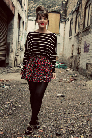ruby red Urban Outfitters skirt - black Zara top - beige LuLus heels