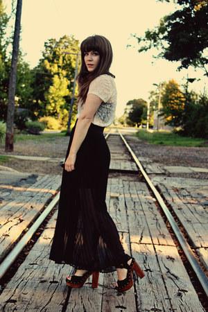 black sosie skirt - black Jeffrey Campbell heels - eggshell Urban Outfitters top