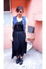 Black-dress-black-wedges-blue-vest-black-forever-21-glasses