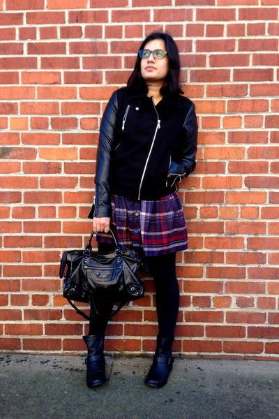 brick red plaid French Connection skirt - black moto Mia boots
