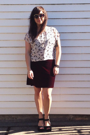 maroon vintage dress - black Urban Outfitters shoes - black zeroUV sunglasses