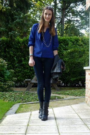 blue f21 blouse - black Sacha boots