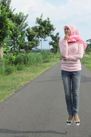 unbranded sweater - jeans TopTen jeans - chiffon unbranded scarf