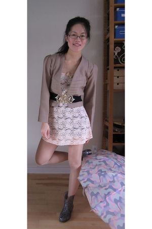 pink dress - brown blazer - black belt