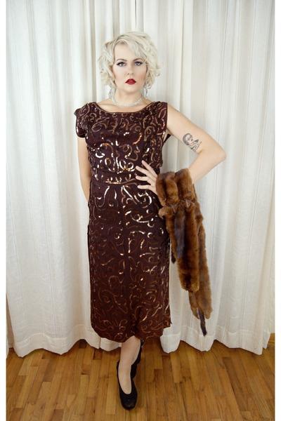 dark brown vintage 1940s dress - black Buffalo Exchange heels
