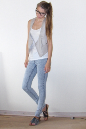 H&M top - vest - jeans - Lemotion shoes