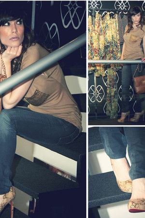 brown phyton Cuple heels - charcoal gray Lois jeans - camel Cuple bag