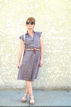 vintage dress - neutral vintage bag - black Old Navy sunglasses