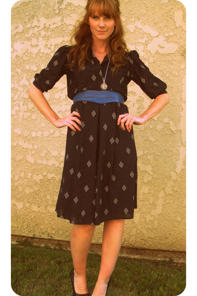 barefoot & vintage on etsy dress - necklace - Urban Outfitters belt