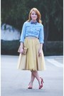 Sky-blue-shirt-red-corso-como-pumps-camel-tulle-eshakti-skirt