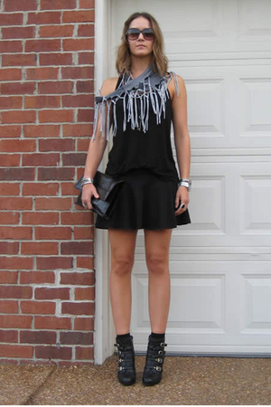 Forever 21 top - American Apparel skirt - Nine West boots - free people scarf -