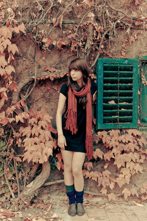ruby red Pimkie scarf - dark brown thrifted vintage shoes - black Zara dress