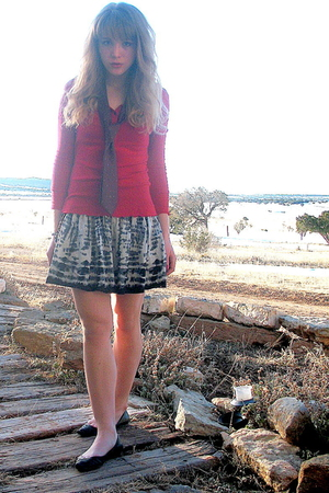red faded glory top - gray Forever 21 skirt - black Target shoes - red christian