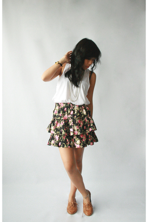 Dark White skirt - Jeffrey Campbell shoes