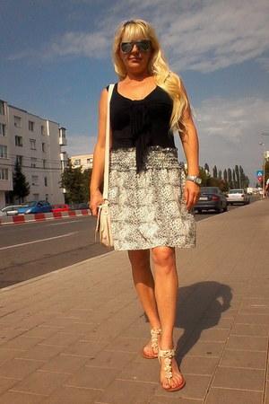 Gossip skirt - MORGAN blouse - River Island sandals