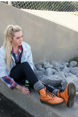 periwinkle denim Guess jacket - carrot orange patent Dr Marten boots