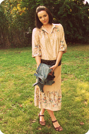 beige vintage dress - brown xhiliration shoes - brown sunglasses - brown Suzanne