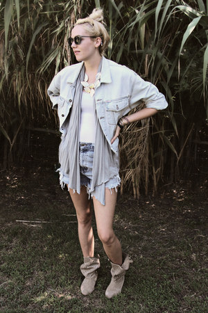 suede cutout decree boots - Guess jacket - diy vintage shorts
