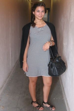 Old Navy sweater - Forever21 shoes - Luria purse - JCrew dress