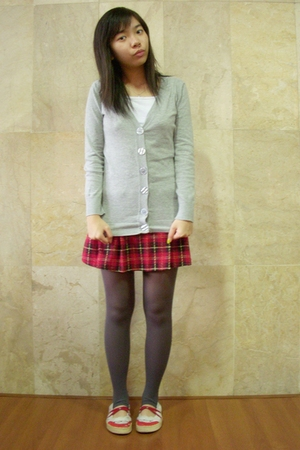 top - skirt - Gaudi tights - Tracce shoes
