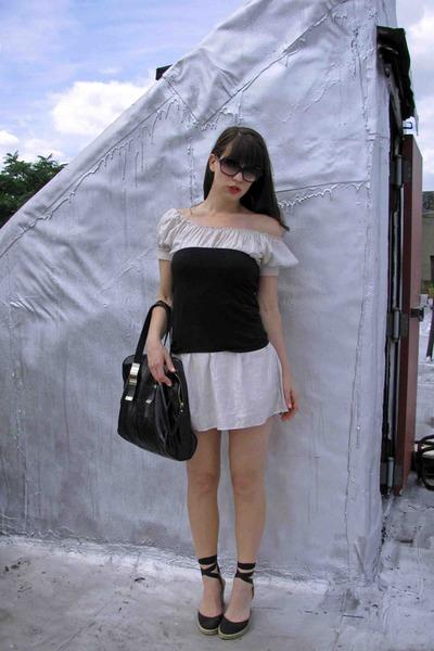 By Me dress - Sobella bag - Oliver Peoples sunglasses - banana republic top