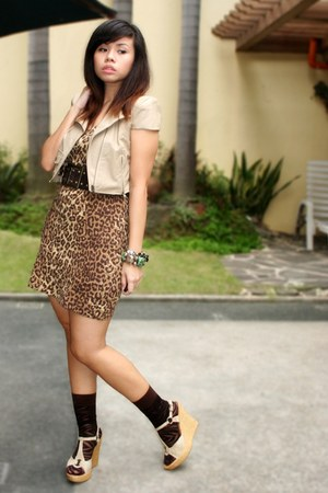 beige jacket - light brown Archive Clothing dress - dark brown socks - beige wed