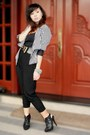 White-museum-blazer-black-top-black-pants-black-h-m-shoes