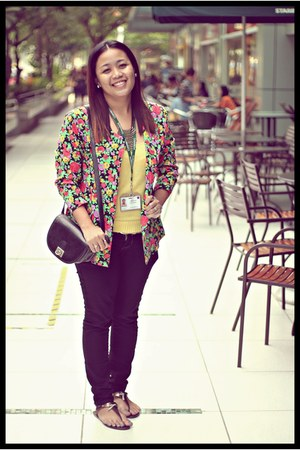 floral print thrifted vintage blazer - black sling Thrift Store bag