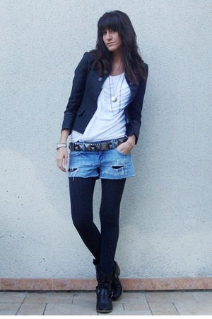gray officer Zara jacket - black boots texto shoes - blue shredded DIY shorts