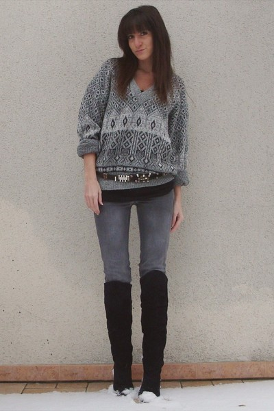 gray vintage sweater - gray diabless jeans - gray vintage belt - black vintage b