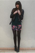 green f21 t-shirt - black UO skirt - black Zara jacket - black vintage boots