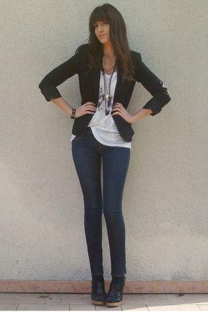 white Urban Outfitters t-shirt - blue H&M jeans - black vintage blazer