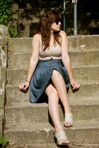 Kimchi Blue skirt - Target shirt - simply vera heels - owl UO necklace